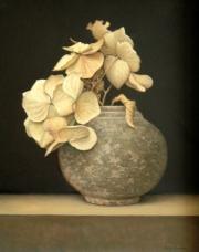 Pot met gedroogde hortensia © Aad Hofman